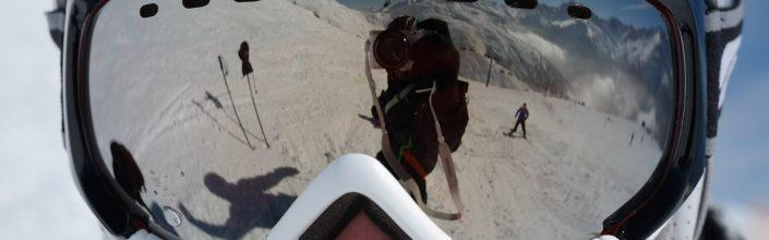 Spiegelung vom Skifahrer in der Skibrille