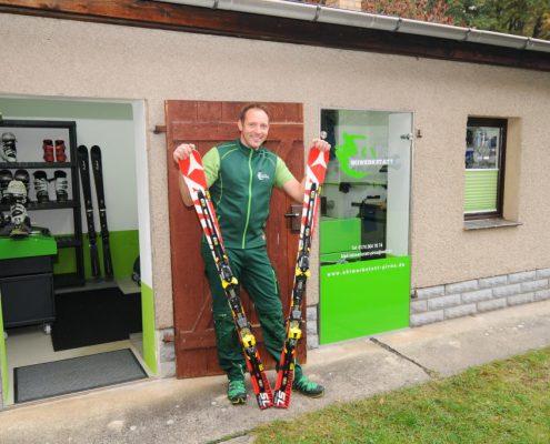 Skiwerkstatt - Professiolelle Handarbeit für Ski und Snowboard